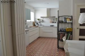 Suelos para cocina en sevilla archivos kocina sevilla - Suelos porcelanicos para cocinas ...
